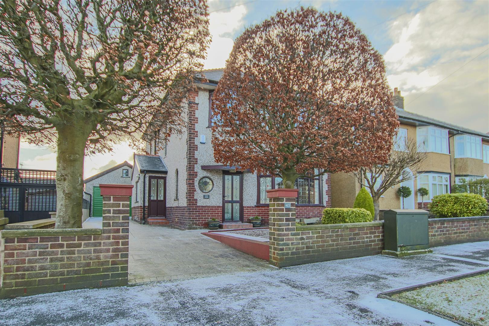 4 Bedroom Detached House For Sale - 24.JPG